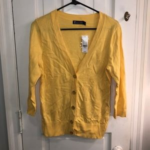 Here comes the sun yellow cardigan ☀️
